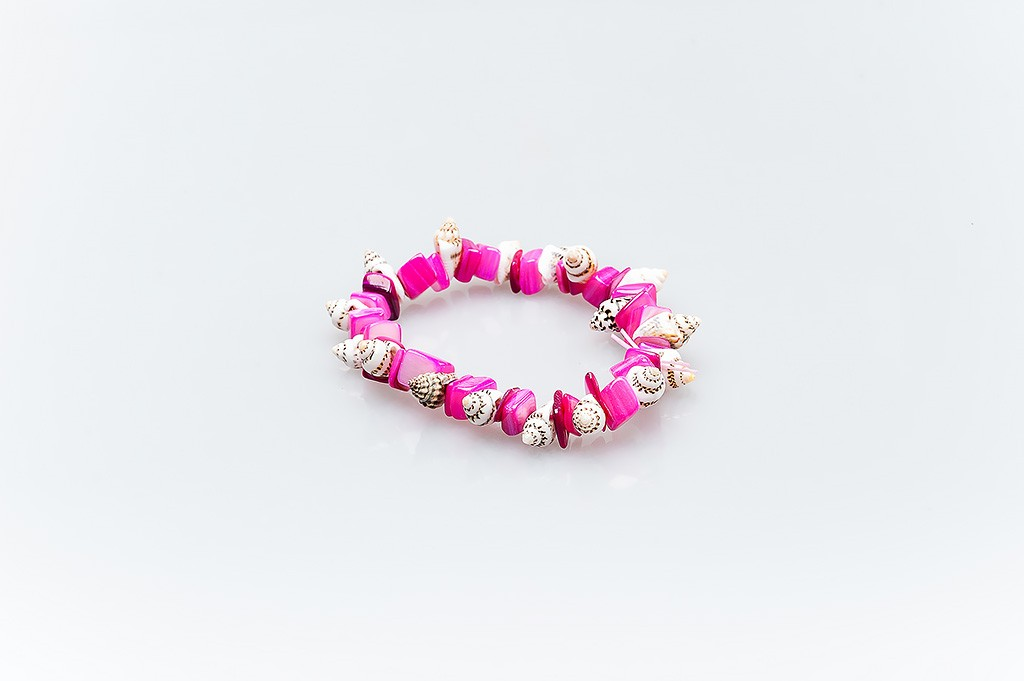 Women's bracelet made of mother of pearl and shells Mayra