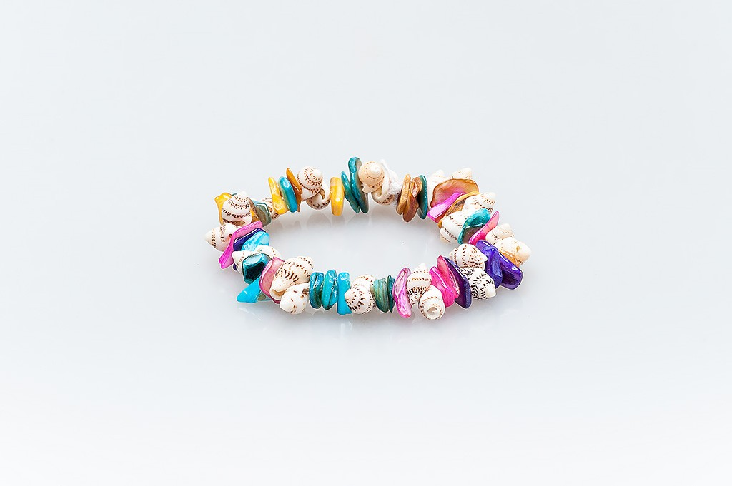 Women's bracelet made of mother-of-pearl and shells Melissa