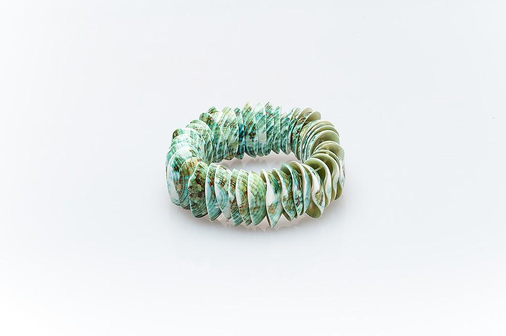 Women's bracelet made of mussel shells Marissa