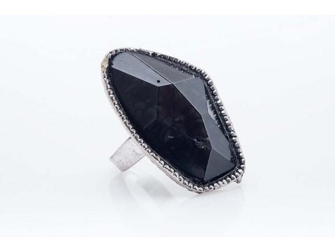 Дамски пръстен от бижутерска сплав и изкуствен камък от бижутерска смола