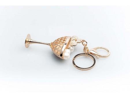 Дамски ключодържател изработен от златиста бижутерска сплав